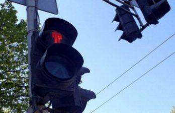 <!--:ru-->За уличным движением у перекрёстков вблизи столичных учебных заведений следят студенты Академии полиции<!--:-->