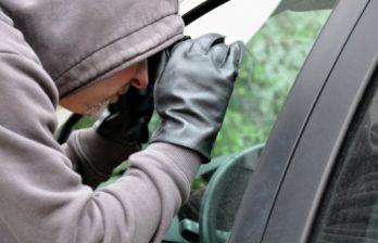 <!--:ru-->Полиция просит помощи в поимке подозреваемого в краже (ВИДЕО)<!--:-->