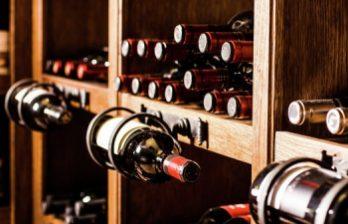 <!--:ru-->Директор винзавода из Каларашского района собрал впечатляющую коллекцию из 400 бутылок вина<!--:-->