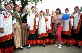 <!--:ru-->Музыкой, танцами и блюдами национальной кухни встречал гостей этнокультурный фестиваль<!--:-->