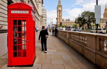 <!--:ru-->Знаменитые телефонные будки Лондона зеленеют, превращаясь в зарядные станции для гаджетов<!--:-->