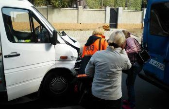 <!--:ru-->Два микроавтобуса маршрутов 101 и 129 столкнулись на выезде из Дурлешт: кто виноват<!--:-->