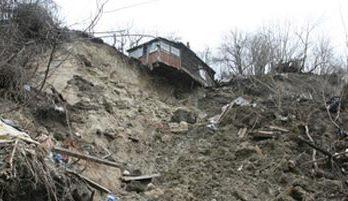 <!--:ru-->Оползни в селе Хырчешть Унгенского района: местные жители и не думают эвакуироваться<!--:-->