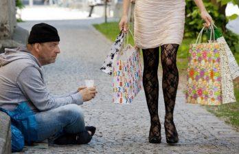 <!--:ru-->Огромная пропасть между богатыми и бедными - главная причина дискриминации в нашей стране<!--:-->