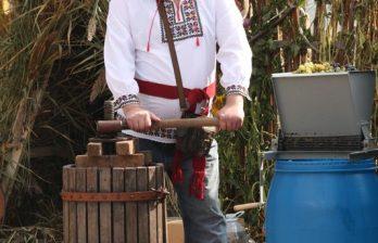 <!--:ru-->День вина в Бельцах прошёл по традиционному сценарию (фотогалерея)<!--:-->