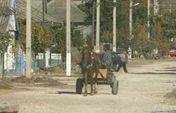 <!--:ru-->Жители Чадыр-Лунги сложились на ремонт дороги<!--:-->