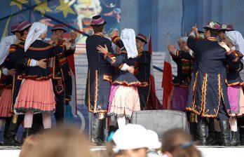 <!--:ru-->Подготовка к Храмовому празднику Кишинёва: установлены сцена и торговые палатки (ФОТО)<!--:-->