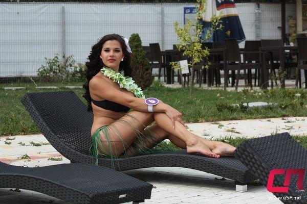 <!--:ru-->Претендентка на звание Мисс «СП»: «Совмещаю работу с учёбой»<!--:-->