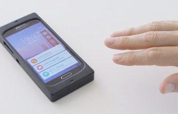 <!--:ru-->Смартфоны с бесконтактным управлением выйдут в следующем году<!--:-->