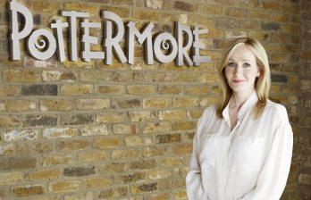 <!--:ru-->Джоан Роулинг напишет три сценария для фильмов о мире Гарри Поттера<!--:-->