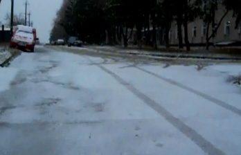 <!--:ru-->Снег на севере страны: видео с падающими хлопьями снега в Окнице (ВИДЕО)<!--:-->