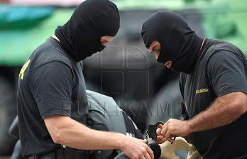 <!--:ru-->Офицеры НЦБК и представители Генпрокуратуры проводят обыски в столице<!--:-->