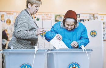 <!--:ru-->Население Молдовы рассказывает, за что голосует: «У меня внуки, которым я хочу мира»<!--:-->