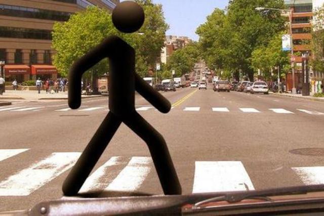 Знаки «пешеходный переход» заменили на люминесцентные