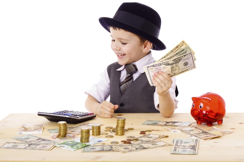 Учим ребенка правильно распоряжаться деньгами