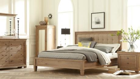 eclectic_bedroom_75746600.jpg