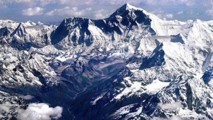 Эверест стал ниже после землетрясения
