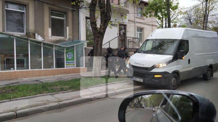 Заключенный Влад Филат был замечен на улицах столицы