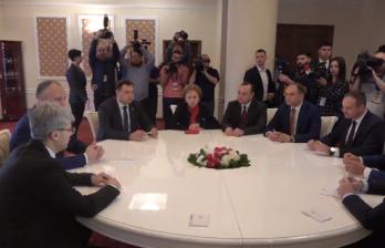 Начались совместные переговоры ведущих парламентских фракций с Игорем Додоном