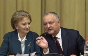 Игорь Додон на заседании Республиканского совета ПСРМ представил Зинаиду Гречаный как