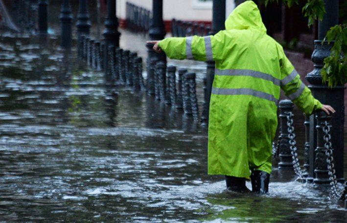 Вчерашний ливень затопил ряд сёл на севере Молдовы