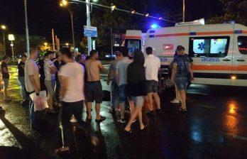 В столице ночью автомобиль сбил двух пешеходов: водитель пытался сбежать