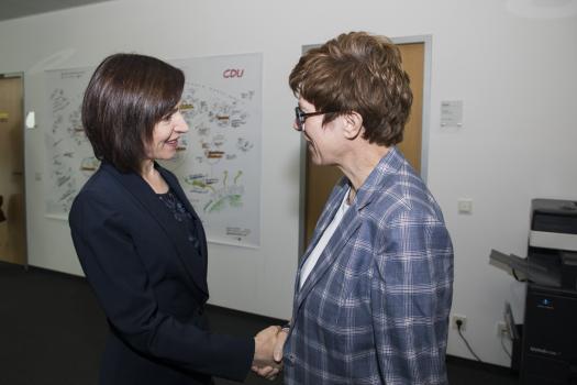 Премьер Молдовы встретилась в Берлине с лидером ХДС