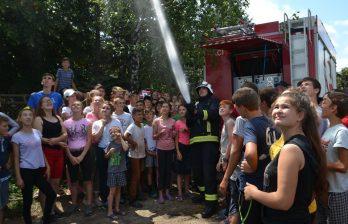 Сотрудники ГИЧС провели учения в детском лагере в Бельцах