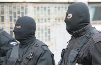 В филиалах Почты Молдовы и Таможенной службы проводят обыски по делу о контрабанде