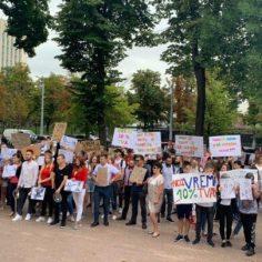 Протест у парламента: представители HoReCa просят власти не голосовать за повышение НДС