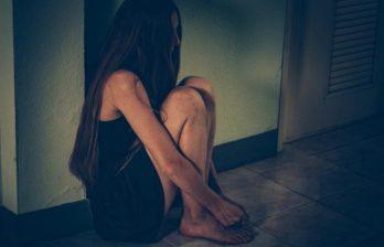 Троих мужчин из Теленештского района задержали за торговлю людьми и сутенерство