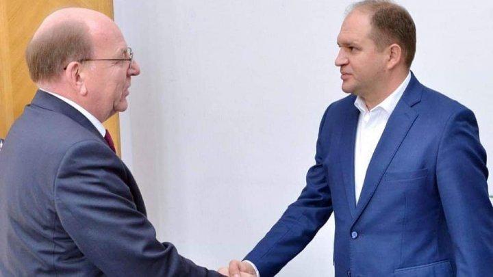 Первые высокие гости в кишиневской мэрии: Чебана навестил посол России