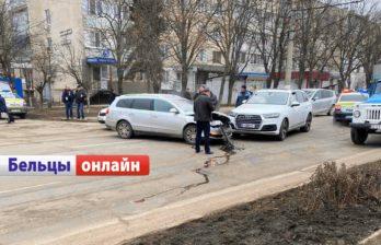 (ВИДЕО) Авария на улице Болгарской - пострадали два автомобиля