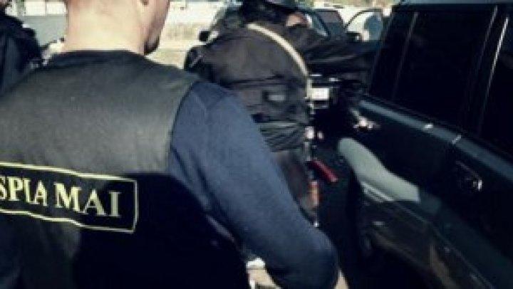 Перевозил незаконный товар из Украины: в Криулянах задержали полицейского-нарушителя
