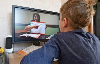 Глава НАОЗ: «Школьники и студенты могут учиться онлайн и осенью»