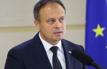 Партия PRO MOLDOVA начала сбор подписей для запуска процедуры импичмента президента Додона: что сказали в президентуре