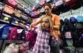 В Молдове родители пока не торопятся покупать портфели и школьную форму