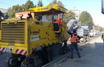 Ремонт отрезка дороги ул. Дечебал (от Штефан чел Маре до Каля Ешилор) сегодня в Бельцах в активной фазе