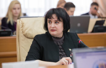 Виорика Думбрэвяну: Можем вернуться к ужесточению ограничений, если ситуация не будет благоприятной