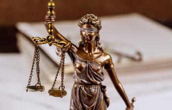 Не прошло десяти лет: вынесен приговор мужчинам, изнасиловавшим двоих девочек-подростков