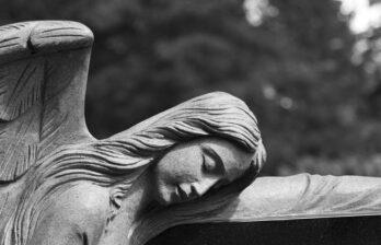 Житель Индии очнулся во время своих похорон, а через день умер
