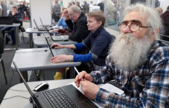 Работающие пенсионеры смогут подать заявление на перерасчёт через интернет