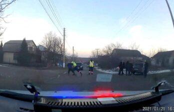 В Бельцах водитель и пассажиры напали на патрульных инспекторов