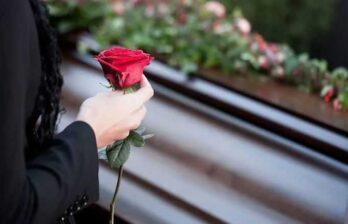 (ru/md) Женщина спасла мать из печи за несколько минут до кремации