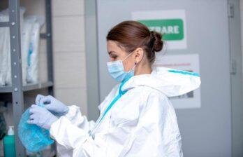 Названы лидеры по смертности от коронавируса среди районов и муниципиев Молдовы