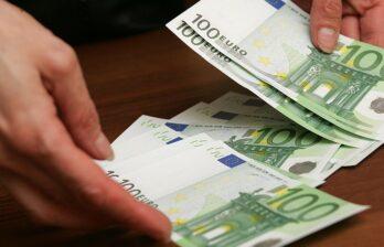 В Бельцах задержали мужчину, которым предложил оформить водительские права за 550 евро