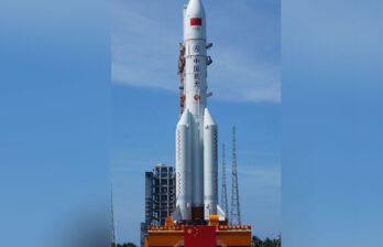 Потерявшая контроль китайская ракета упадёт на Землю на выходные