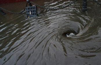 Ливень затопил подвалы и дворы во многих населённых пунктах