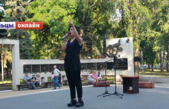 В Бельцах, 12 августа, на площадке у памятника Высоцкому пройдёт кинопоказ